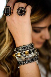 2-anéis e pulseiras